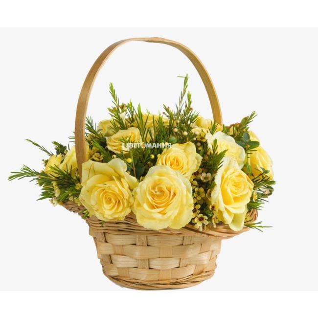 Новым, открытка 8 марта цветы в корзине